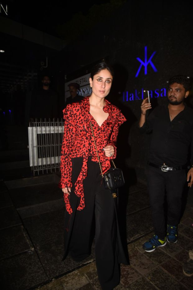 Kareena Kapoor Khan Brings Out Her Wild Side On A Dinner Date