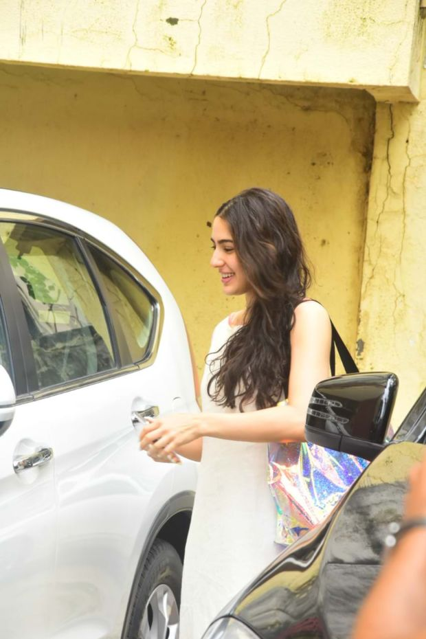 Sara Ali Khan Look Beautiful In Ethnic Wear After Gym Session