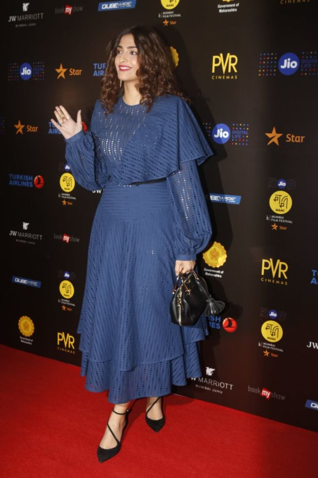 Sonam Kapoor's Curls Amp Up Her Royal Blue Outfit