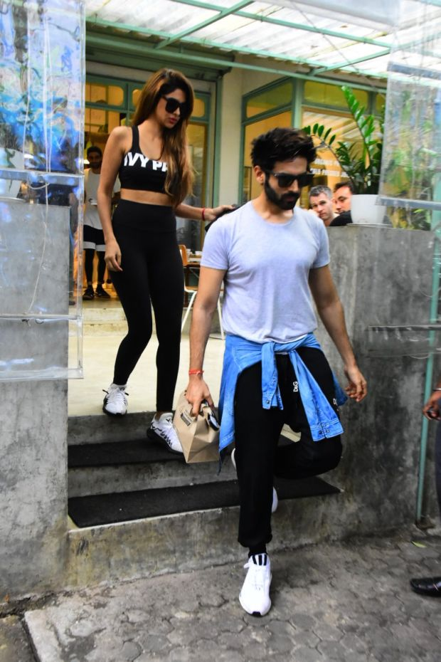 Kartik Aaryan Spotted On A Date With Rumoured Girlfriend Dimple