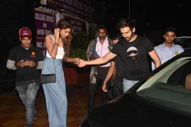 Kartik Aaryan Spends Time With His Alleged GF Dimple Sharma