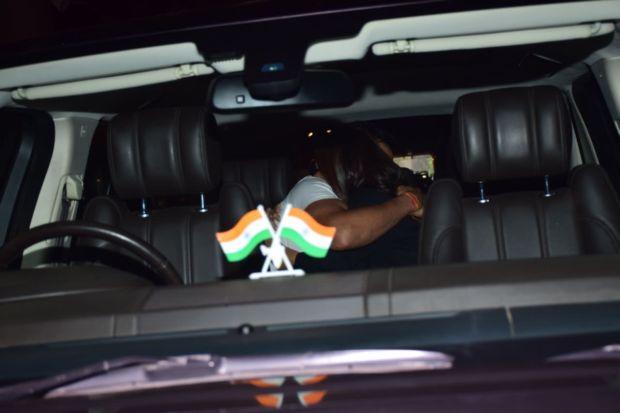 Virat Kohli Reunites With His Pari Anushka Sharma