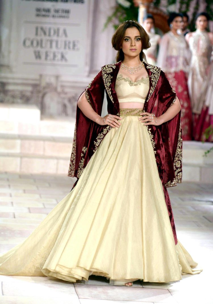 Fashionista Kangana Ranaut Looks Ravishing At India Couture Week 2018