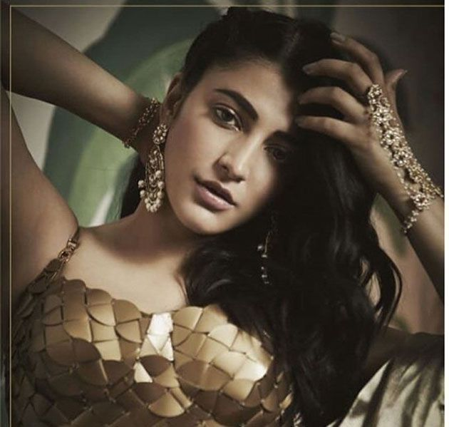 Shruti Haasan Campaigns For Pernia Pop Up