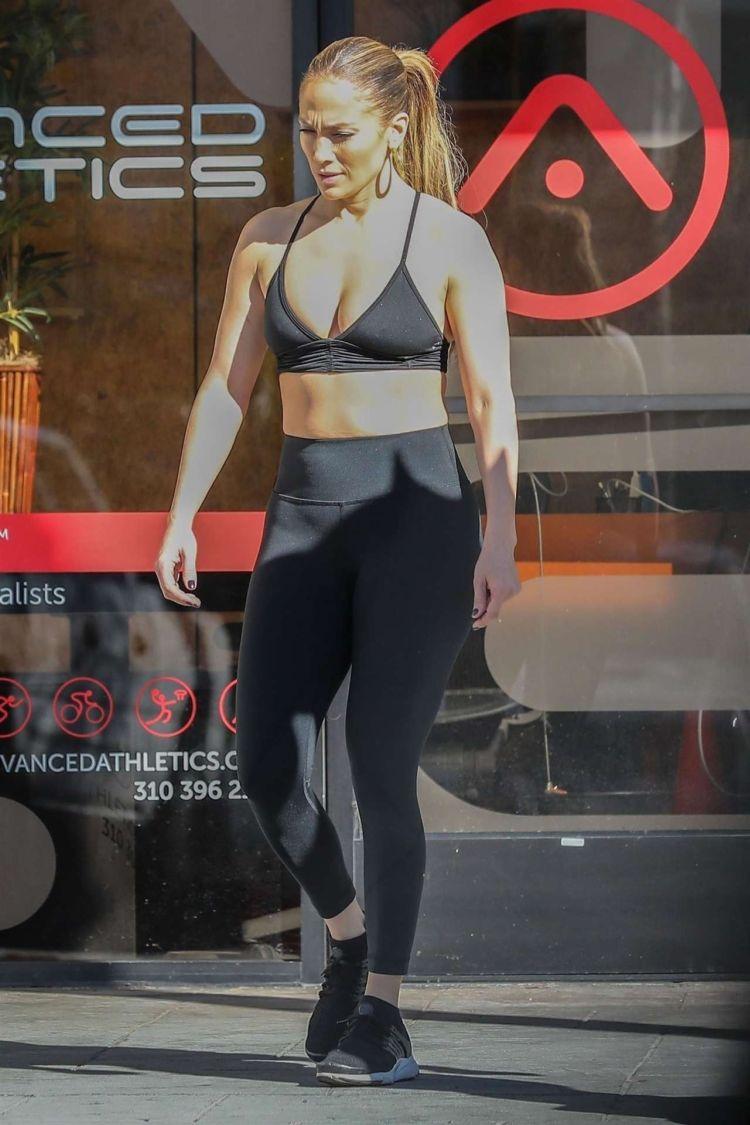 Jennifer Lopez Candids At A Gym In Venice