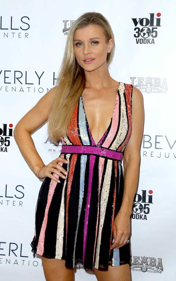 Joanna Krupa Posing At The Beverly Hills Rejuvenation Center Grand Opening Event