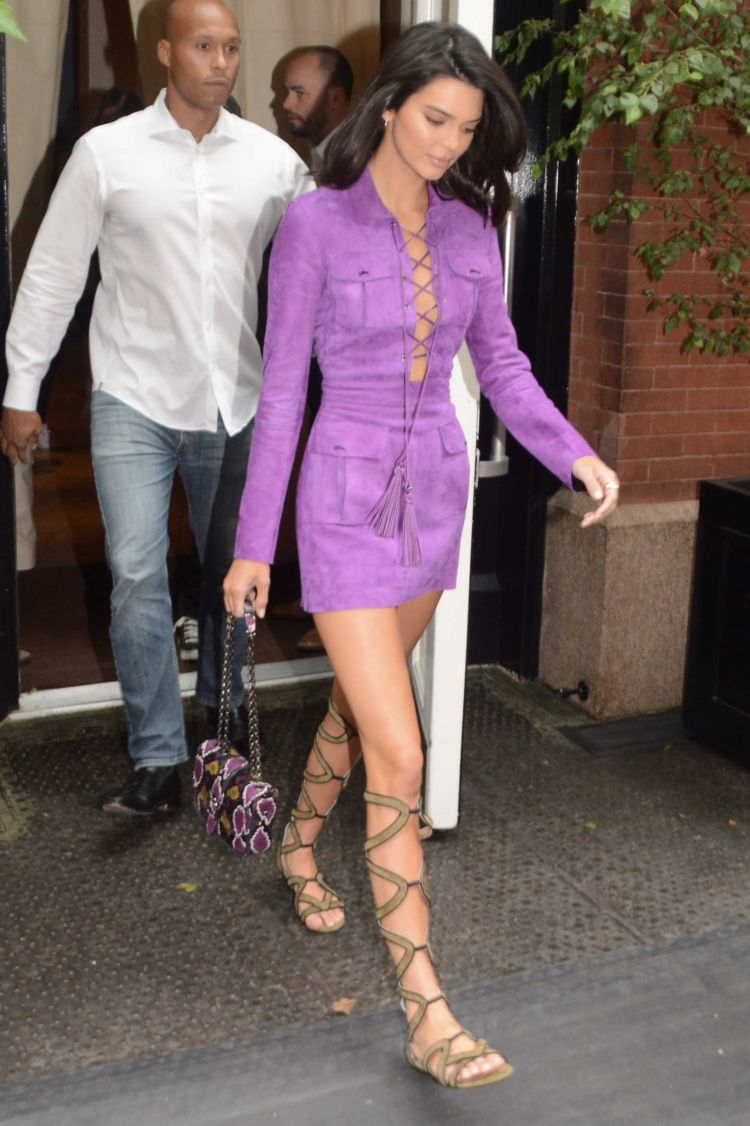 Pretty Kendall Jenner Stepped Outside Her Hotel In New York