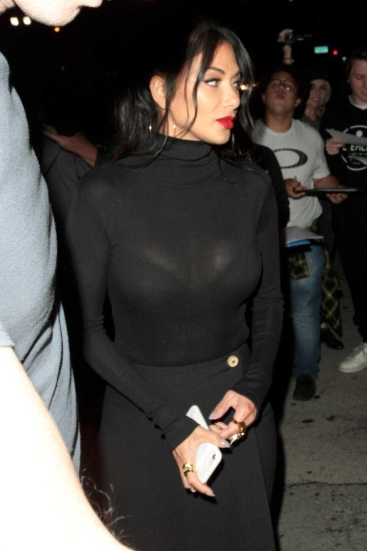 Nicole Scherzinger Candids In A Pure Black Dress