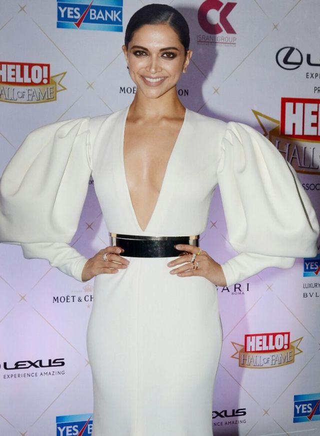 Deepika Padukone Dazzles At 'Hello' Hall of Fame Awards