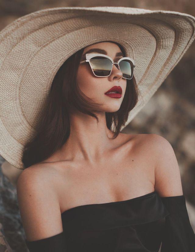 Sarah Hyland Photoshoot For Modeliste Magazine