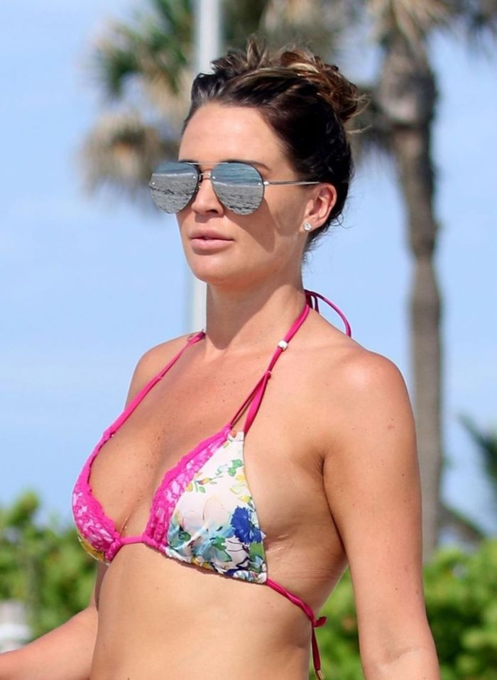 Danielle Lloyd In A Floral Bikini At The Beach