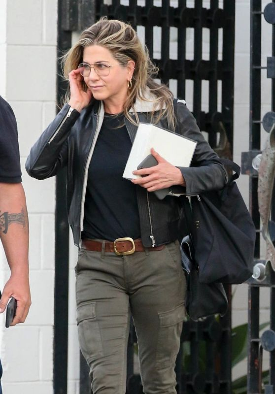 Jennifer Aniston Out And About In Beverly Hills