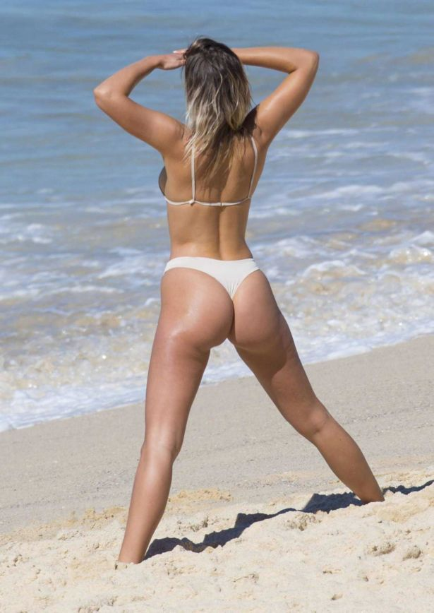 Australian Model Kristina Mendonca On Bondi Beach