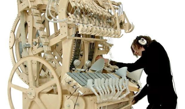 Crazy Instrument Uses 2000 Marbles To Make Music